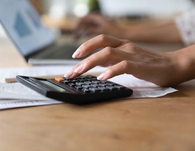 A kisadózó vállalkozások tételes adójának (KATA) 2021. évet érintő változásai